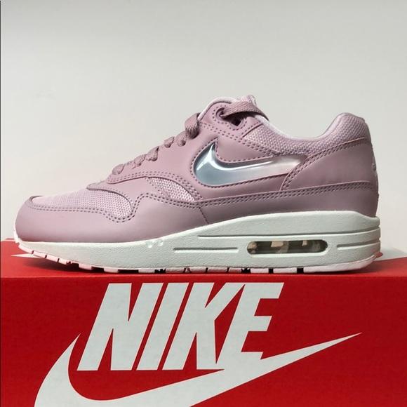 Nike WMNS Air Max 1 JP (pink) | 43einhalb Sneaker Store